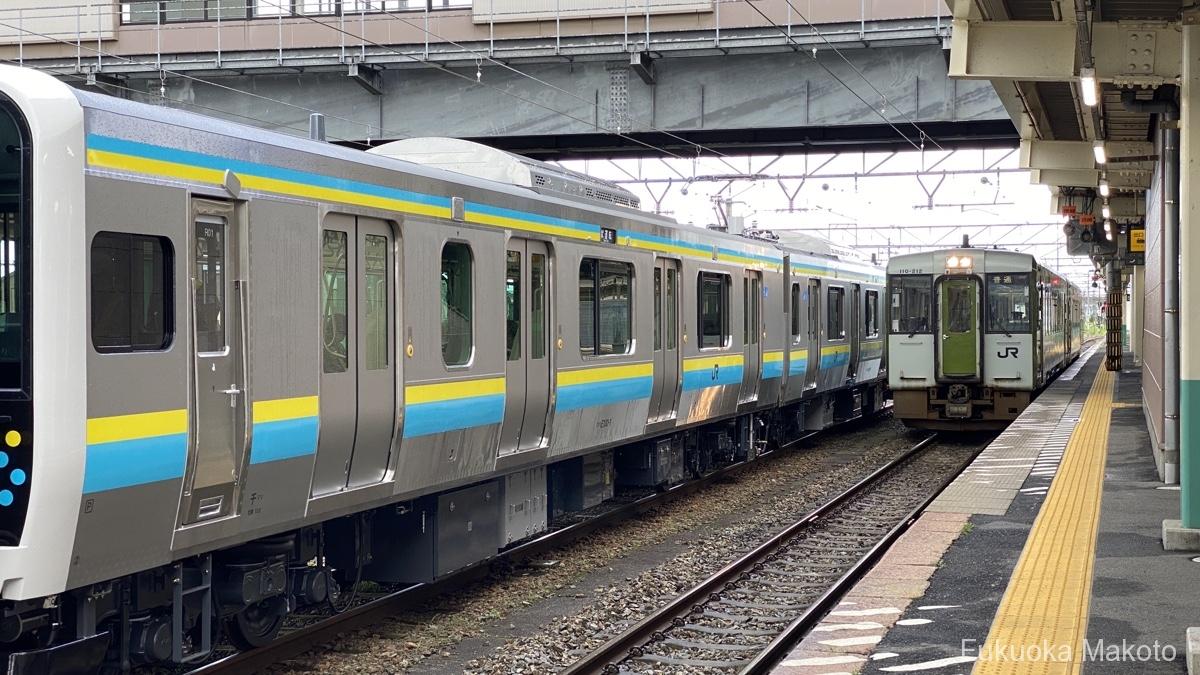 E131系とキハ110